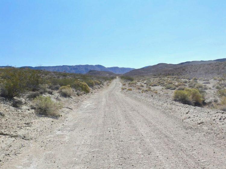 Continuing along Cactus Flat Rd