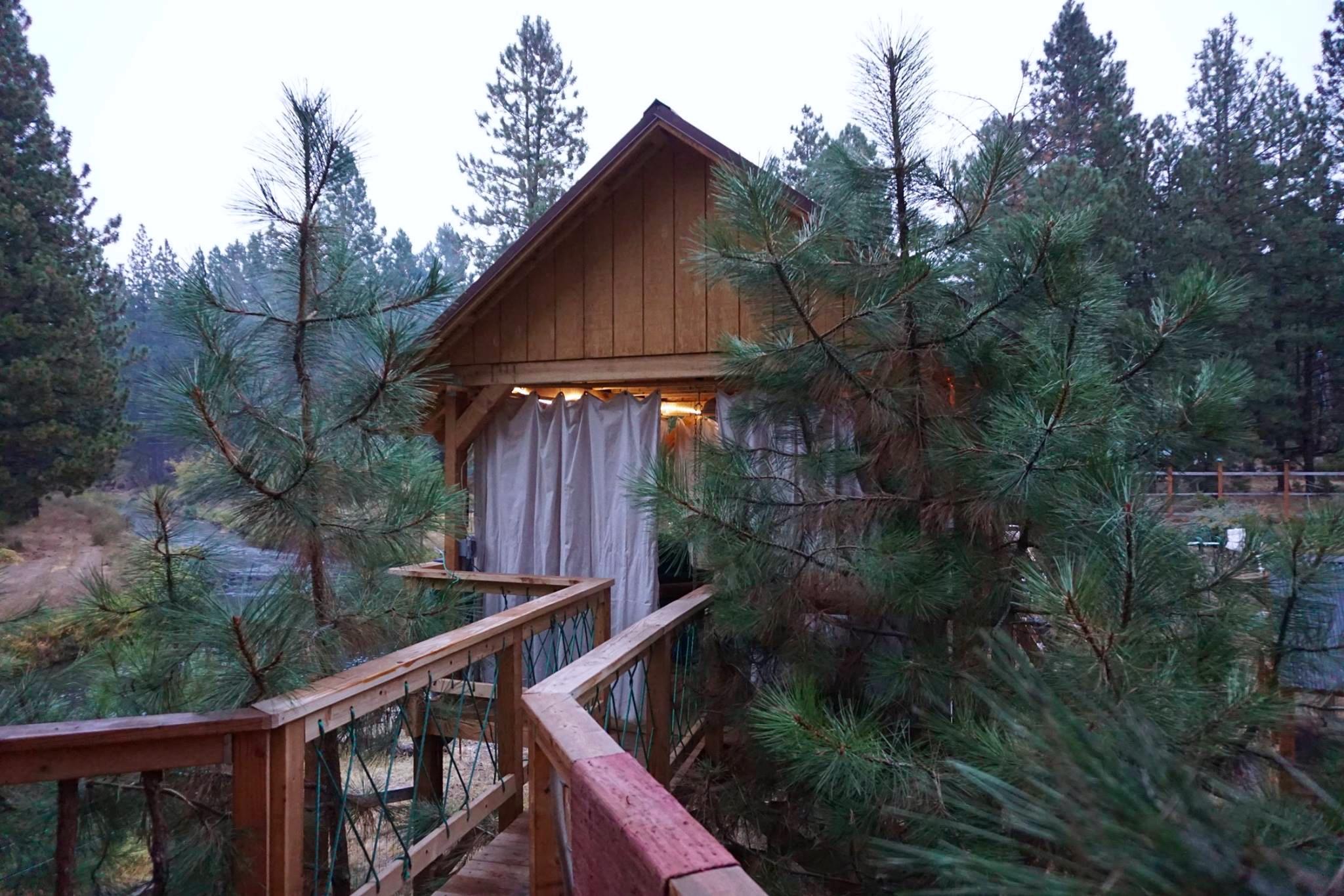 TREEHOUSE LIVING IN BEND, OREGON - STRAYNGER RANGER