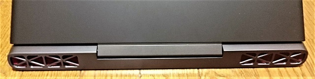 Dell Inspiron 15 ゲーミング 背面スリット.jpg