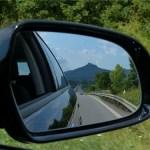 万一高速道路で路肩に停車せざるを得なくなった時にすべきことは