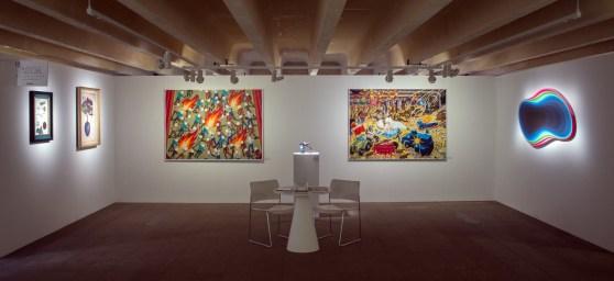 A droite, l'artiste Jan Kalàb, BC Gallery @BC Gallery