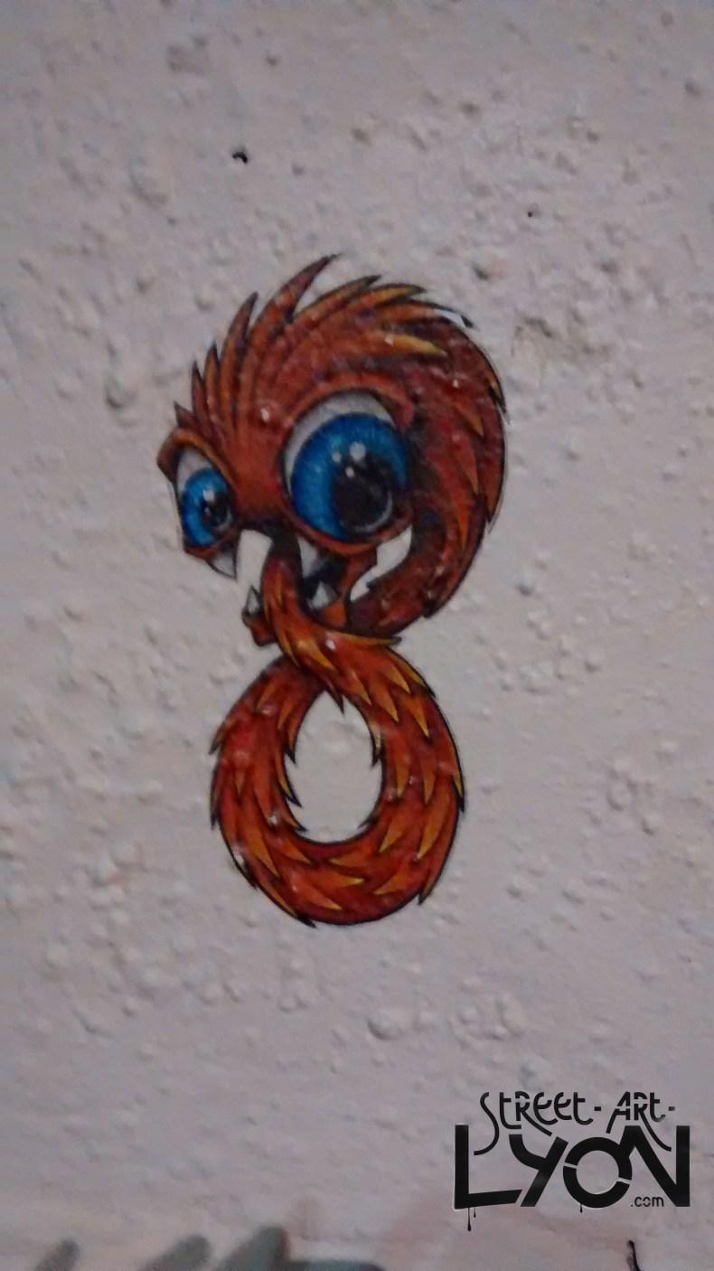 cap phi street art