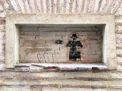 MRBT62 zeigt ein Stencil eines Mannes mit Fernglas