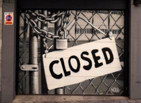 it´s closed, steht auf dem Schild