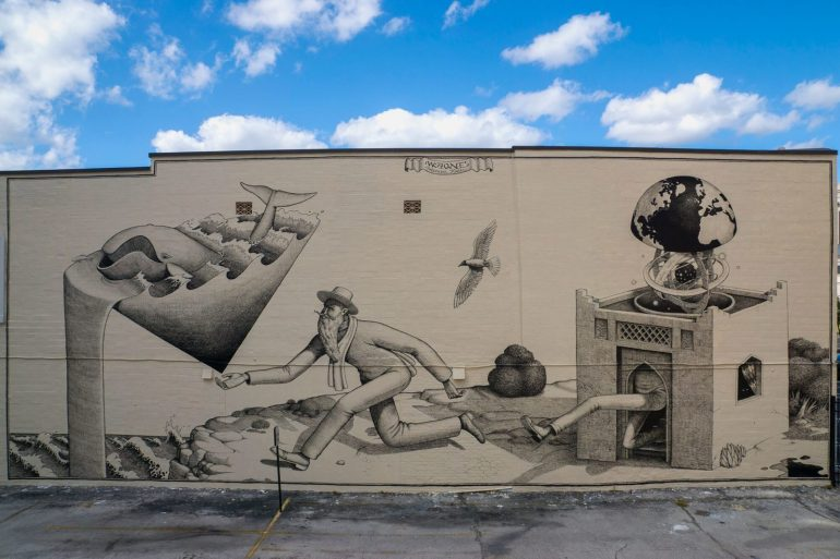 WAONE Paints a mural in Jacksonville