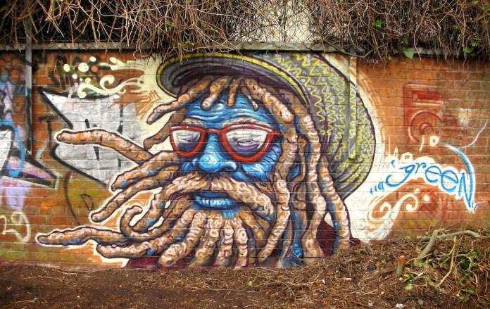 Graffiti by Uri Green in Barcelona, Spain 3