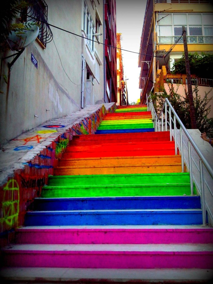 Street Art Color Steps in Turkey 2