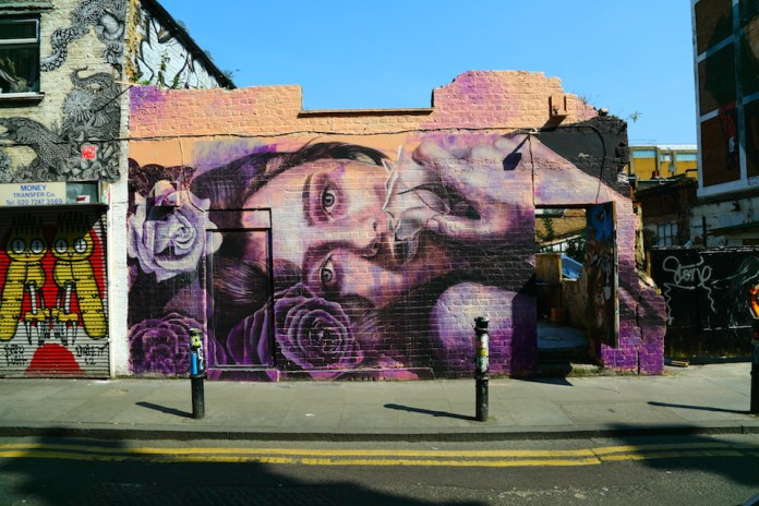 Street Art in Brick Lane, London, England 57567