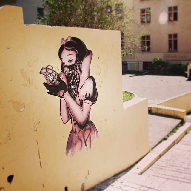 Street Art by Goin in Lyon, France - Bad Apple