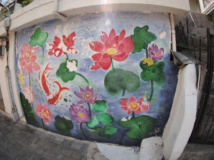 Street Art fromSeoul Area, South Korea. Photo byMark Johnson34