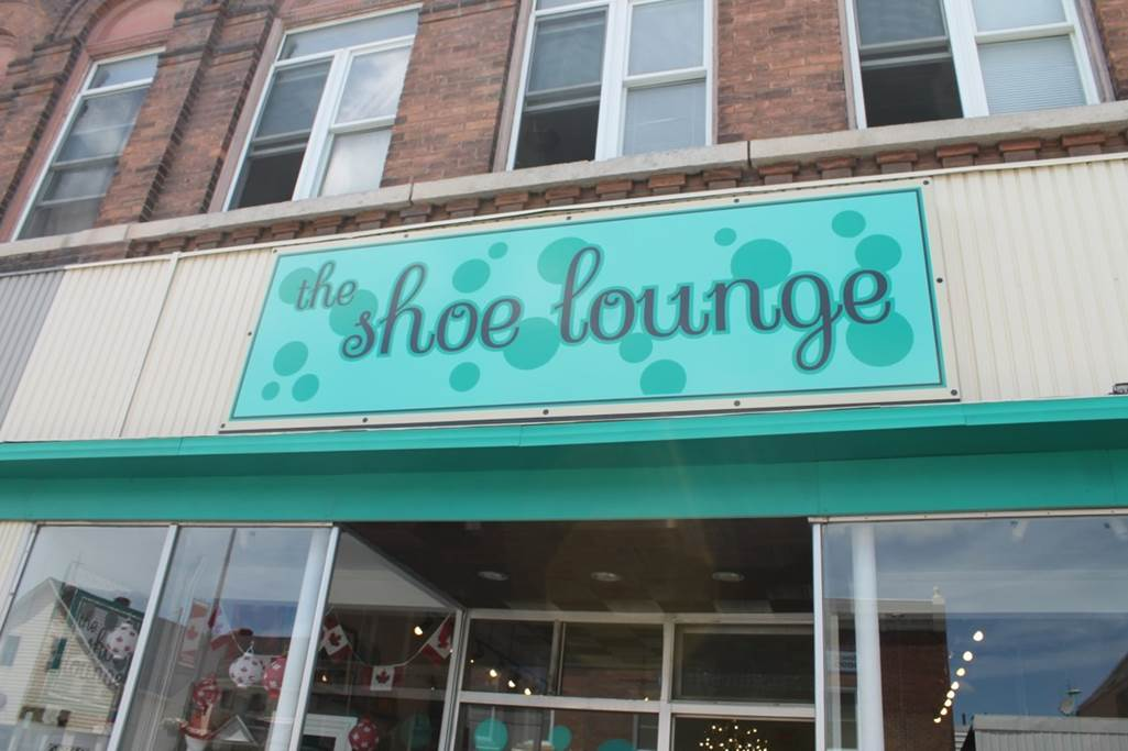 Shoe Lounge on Raglawn in Renfrew