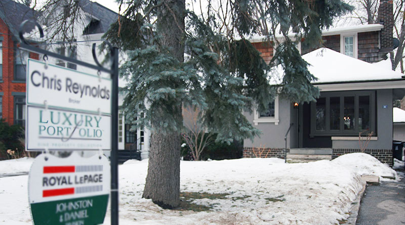 Leaside housing prices up