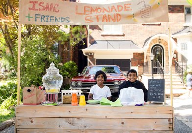 Lemonade stand raises funds for Terry Fox