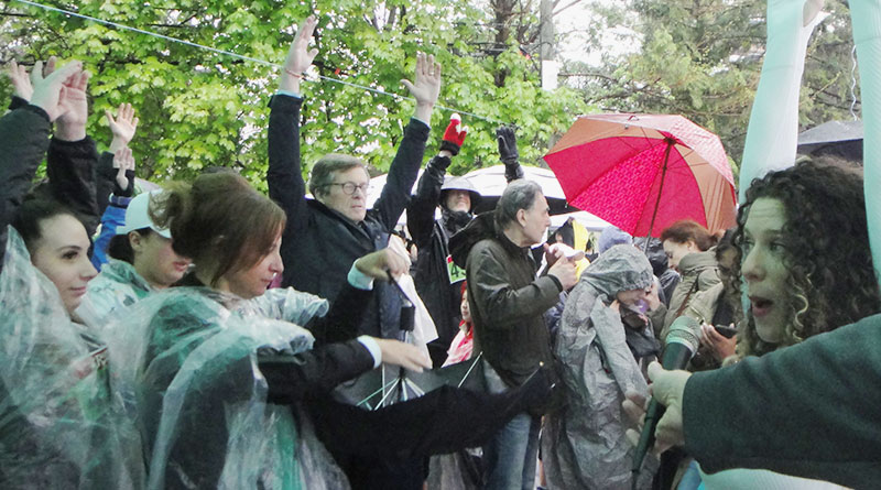 Support for run and walk pours in despite rain