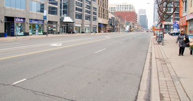 Yonge Street already deserted before weather warning