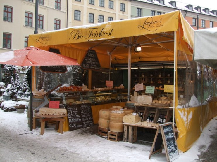 9 Ways To Attract More Customers To Your Market Stall