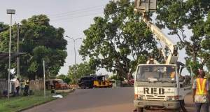 Enugu State government commences fixing of potholes, traffic lights