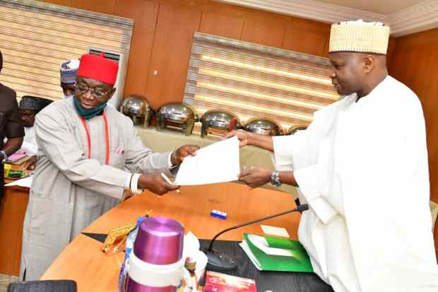 Governor Inuwa Yahaya Swears-in South Easterner, one Other as Special Advisers