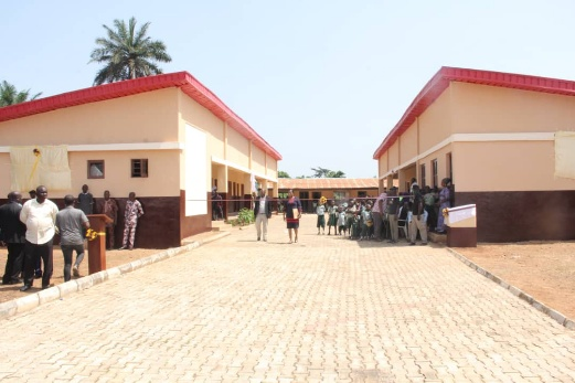 Gov. Makinde Commissions Primary School Projects Donated by Alumnus
