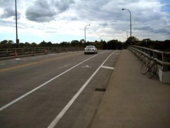 franklin-bridge-lane