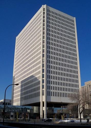 428px-100_Washington_Square_Minneapolis_1