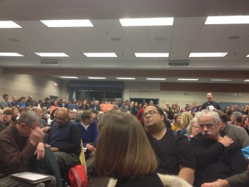 Packed room at St. Louis Park SW LRT meeting.