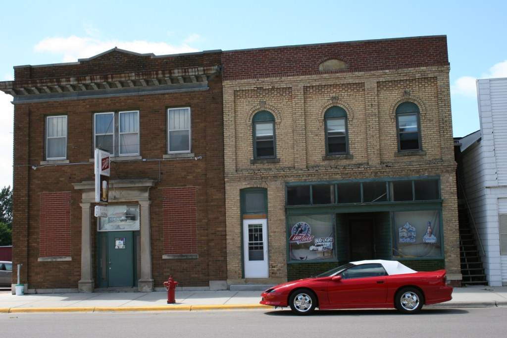 New Richland watering holes photographed in 2011.
