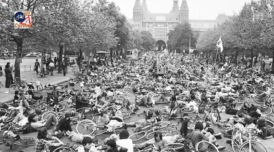 """Stop de Kindermoord"" (""Stop the Child Murder"") protests in Amsterdam. (Photo: BicycleDutch)"