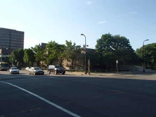 Chicago Avenue & 6th Street South