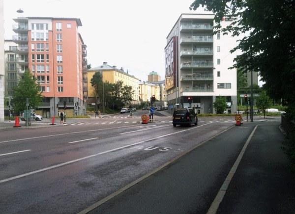 stockholm-wide-street-crosswalk