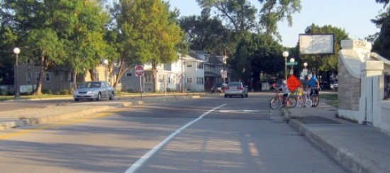 bicyclists-high-bridge