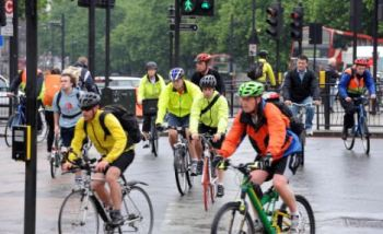 Cyclists at Hyde Park Corner, London. (Photo: Jeremy Selwyn)