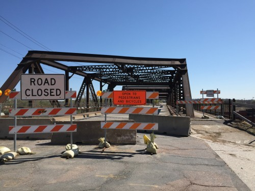 Road closed sign at St. Anthony Parkway bridge