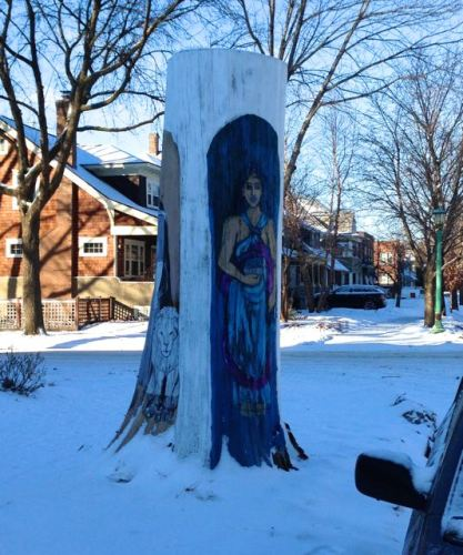 Tree trunk art 2 at Hague and Pierce1