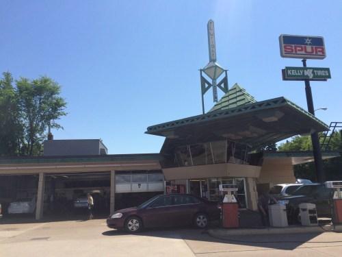 Cloquet Gas Station - Exterior