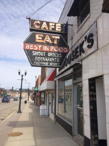 Cafe Eat. Best in Food. Short Orders Breakfasts Fast Food Service