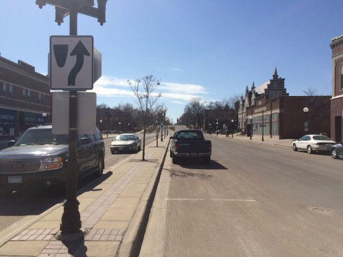 Four cars can park in parallel on Center Street