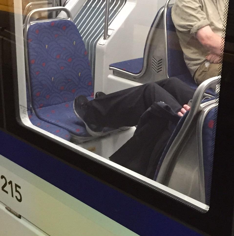 Seat feet