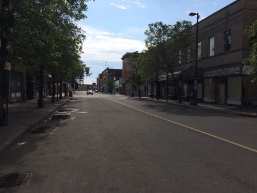 Desolate streetscape in Thunder Bay