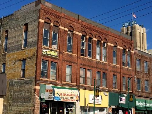 Building at 730 E Lake Street