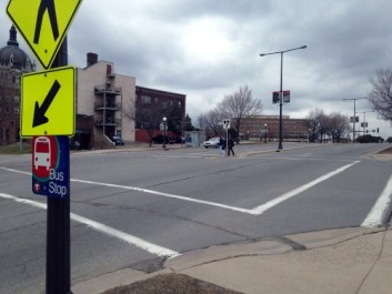 stp-kellogg-blvd-crosswalk