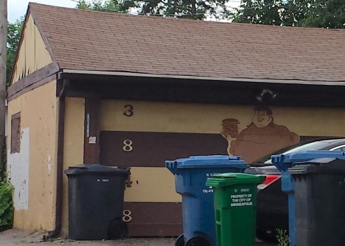 Garage of 3848 Oakland Ave S