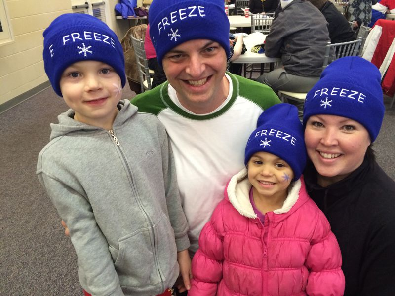 Fantastic E-Freeze family pic! team page: http://bit.ly/eFreezeCNOY2015