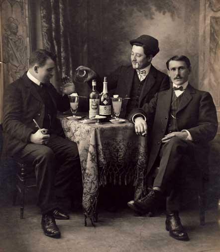 Absinthe Drinkers 1910
