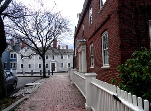 Colonial and Colonial Revival 047