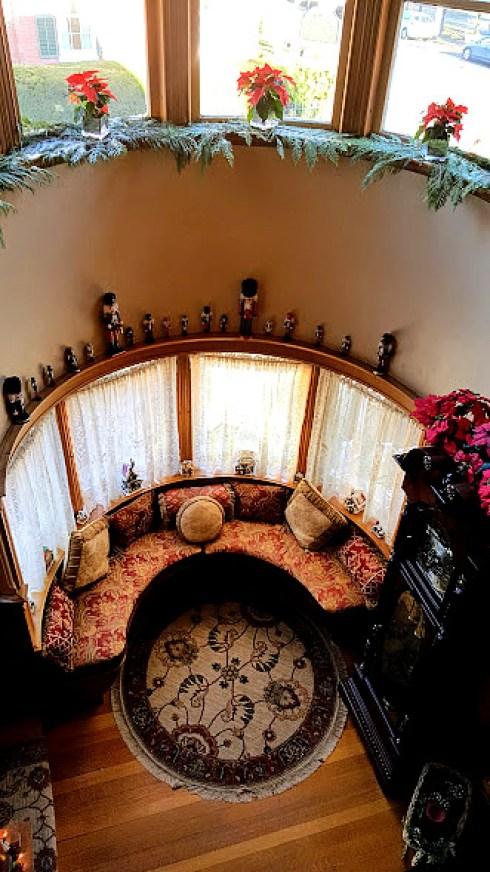 christmas-in-salem-foyer1