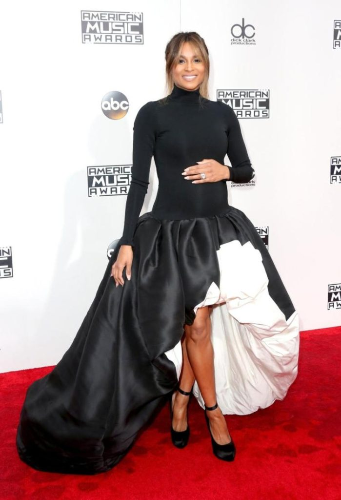 Ciara Shows Off Baby Bump On AMA Red Carpet