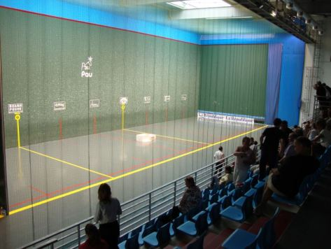French Pelote court, basque de Pau, frontenis, (Championnat d France 2010, Femmes B. (Photo credit: Wikipedia)