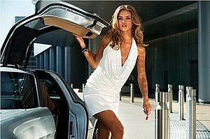 Rosie Huntington-Whiteley as Carly Spencer in ...