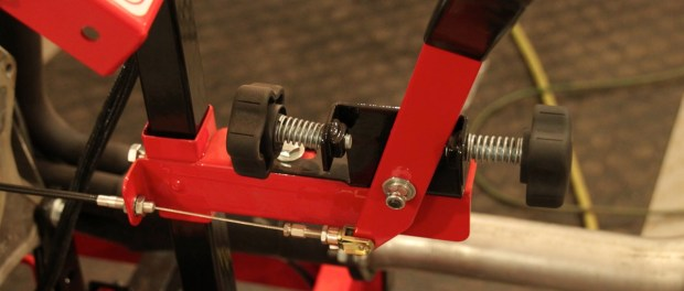 Another really cool feature of the Easy-Run is the throttle control. The cable-actuated throttle has threaded stop that can be used to maintain RPM or and RPM range.